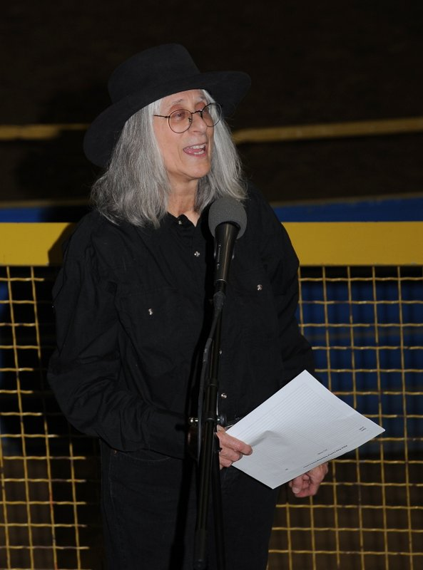 Sandy Reay reciting Miss Pearl's Revenge at the Colorado Classic Horse Show